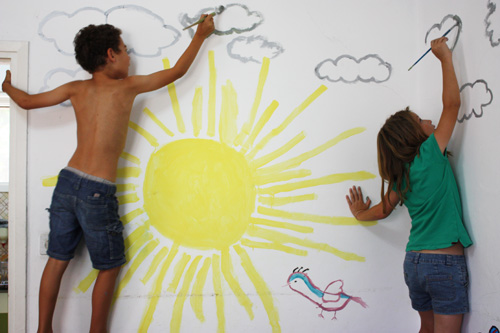 091_drawing on the wall_s